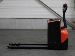 Second-hand Pallet trucks BT LWE250