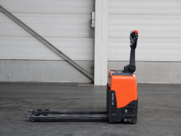 Second-hand Pallet trucks TOYOTA LWE130