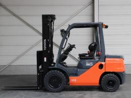 Tweedehands Forklift trucks TOYOTA 52-8FDF30