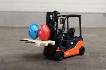 Win een miniatuur heftruck voor Pasen